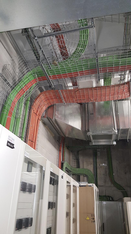 Adaptación de cuartos eléctricos y SAI´S servicios críticos en el aeropuerto de Alicante (AENA).