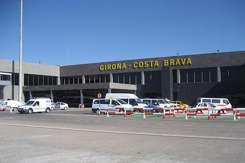 NEW BEACOMING AND ADEQUACY OF WESTERN PART AT GIRONA AIRPORT